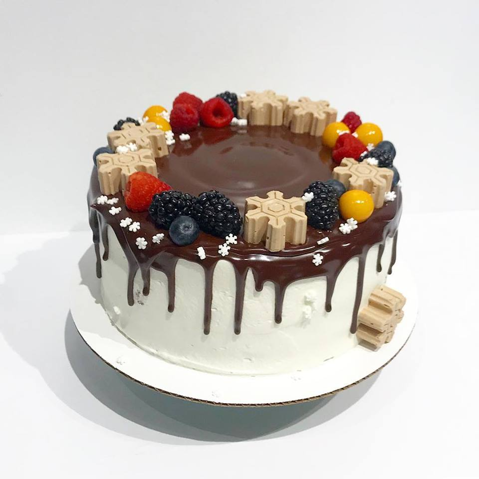 Cake with chocolatedrip  image